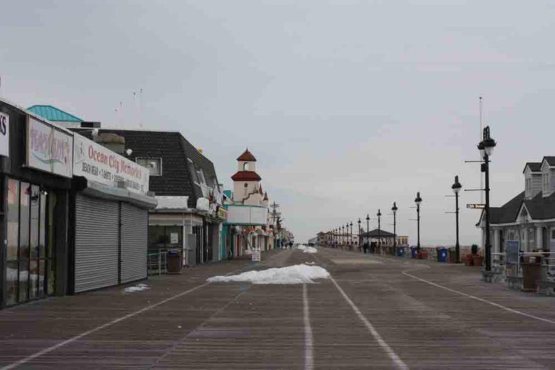 Empty-boardwalk-for-web