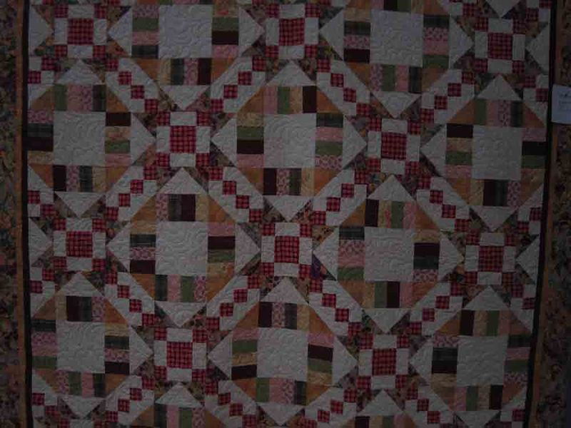 Little-shop-mystery-quilt-for-web