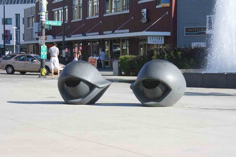Eyeball-benches-for-web