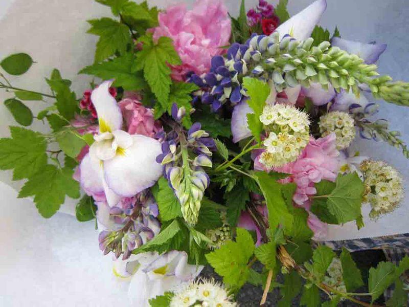 Farm-mkt-flowers-for-web