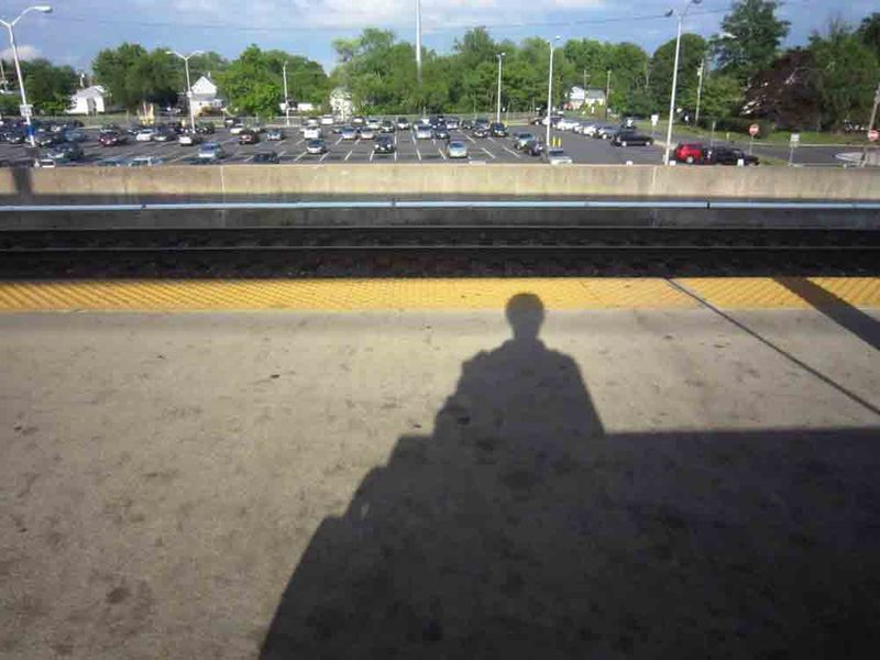 Waiting-for-the-train-web