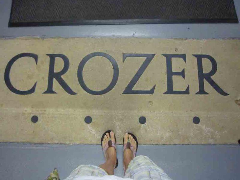 Crozer-and-flip-flops-for-web