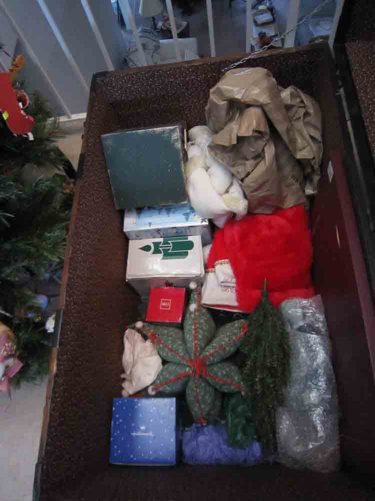 Christmas-in-trunk