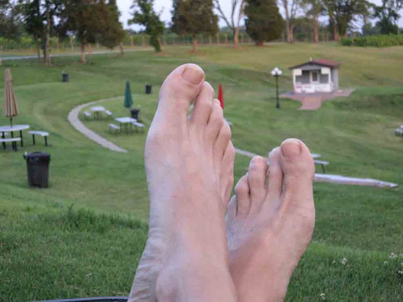 Feet-at-rustle-hill-for-web