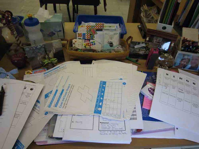 Messy-desk-for-web