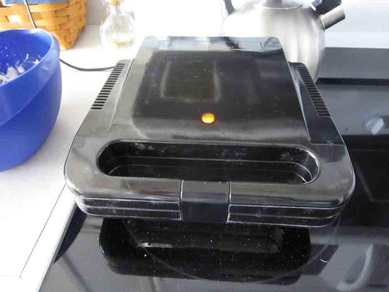 Waffle-iron-for-web
