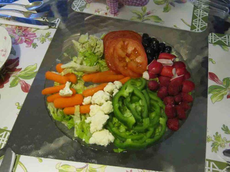 Nayas-salad-pie