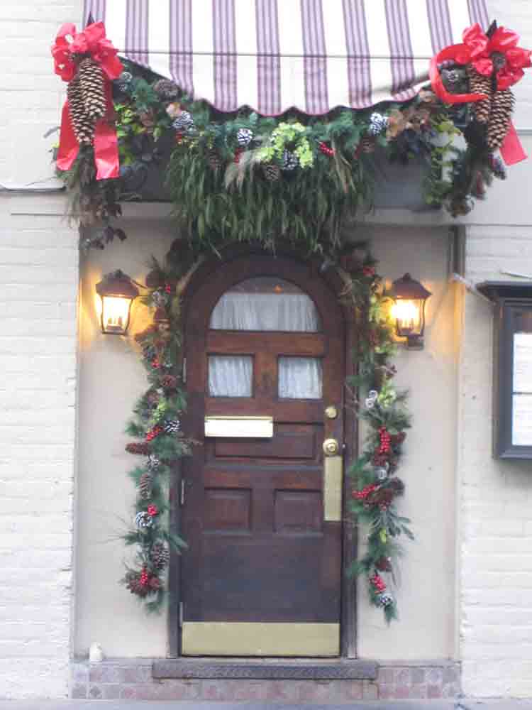 Christmas-doorway-for-web
