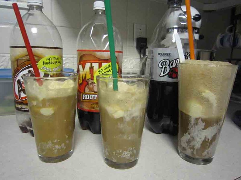 3-rotbeer-floats-2