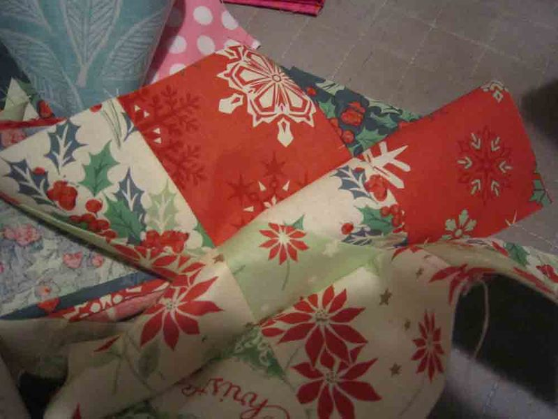 Holiday-table-runner-for-web